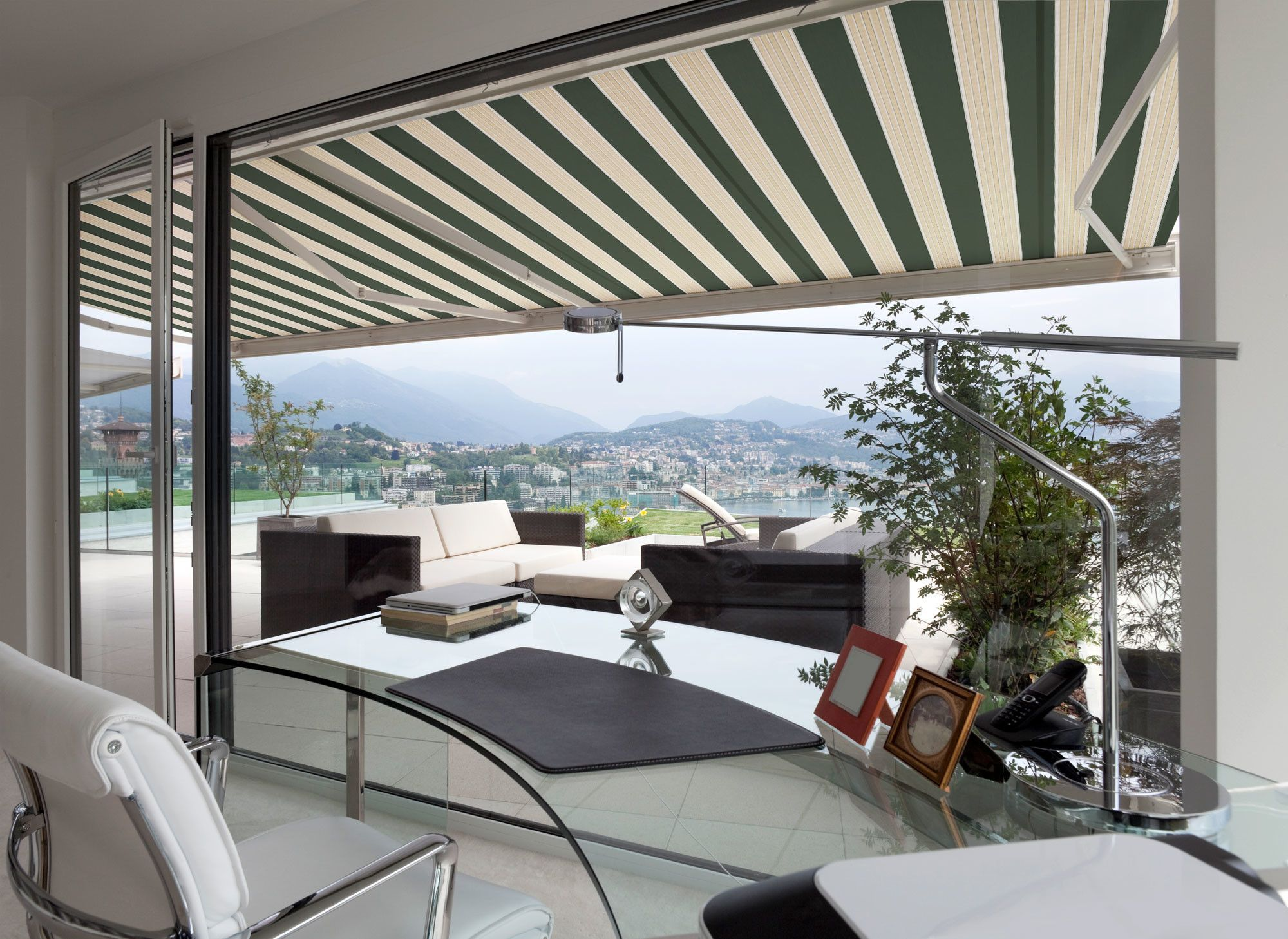 Luxury Series Retractable Patio Awning Products Patio Canopy