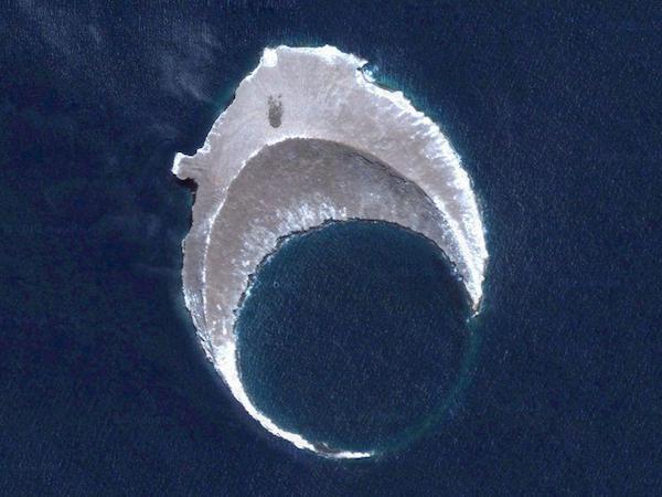 Google Maps - Island in the Galapagos
