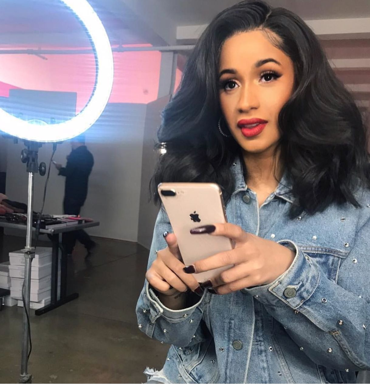 Cardi B Loyalty Over Royalty Bicep Tattoo: Pin By Jazz On Hairstyle Ideas/Healthy Natural Hair Tips
