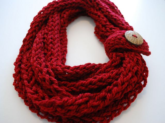 Free Crochet Infinity Scarf Patterns With Buttons : Free pattern Ravelry: Infinity Button Scarf pattern by B ...