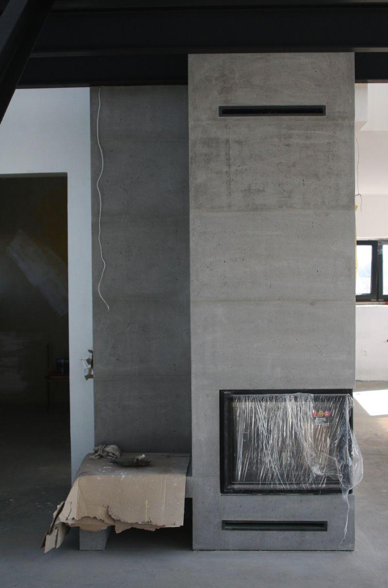 Kominek Z Plyt Betonowych Projekt Vs Rzeczywistosc Budowa Domu Nowoczesnego Modern Fireplace Indoor Fireplace Modern Stone Fireplace