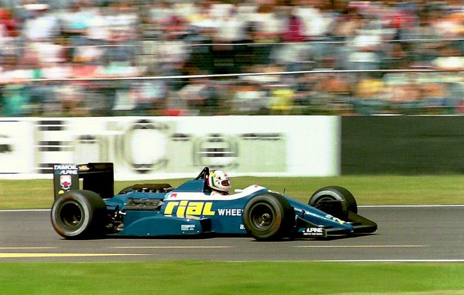 Andrea de Cesaris (ITA) (Rial Racing), Rial ARC1 - Ford-Cosworth DFZ 3.5 V8 (RET) 1988 British Grand Prix, Silverstone Circuit © Martin Lee (Karting Nord)