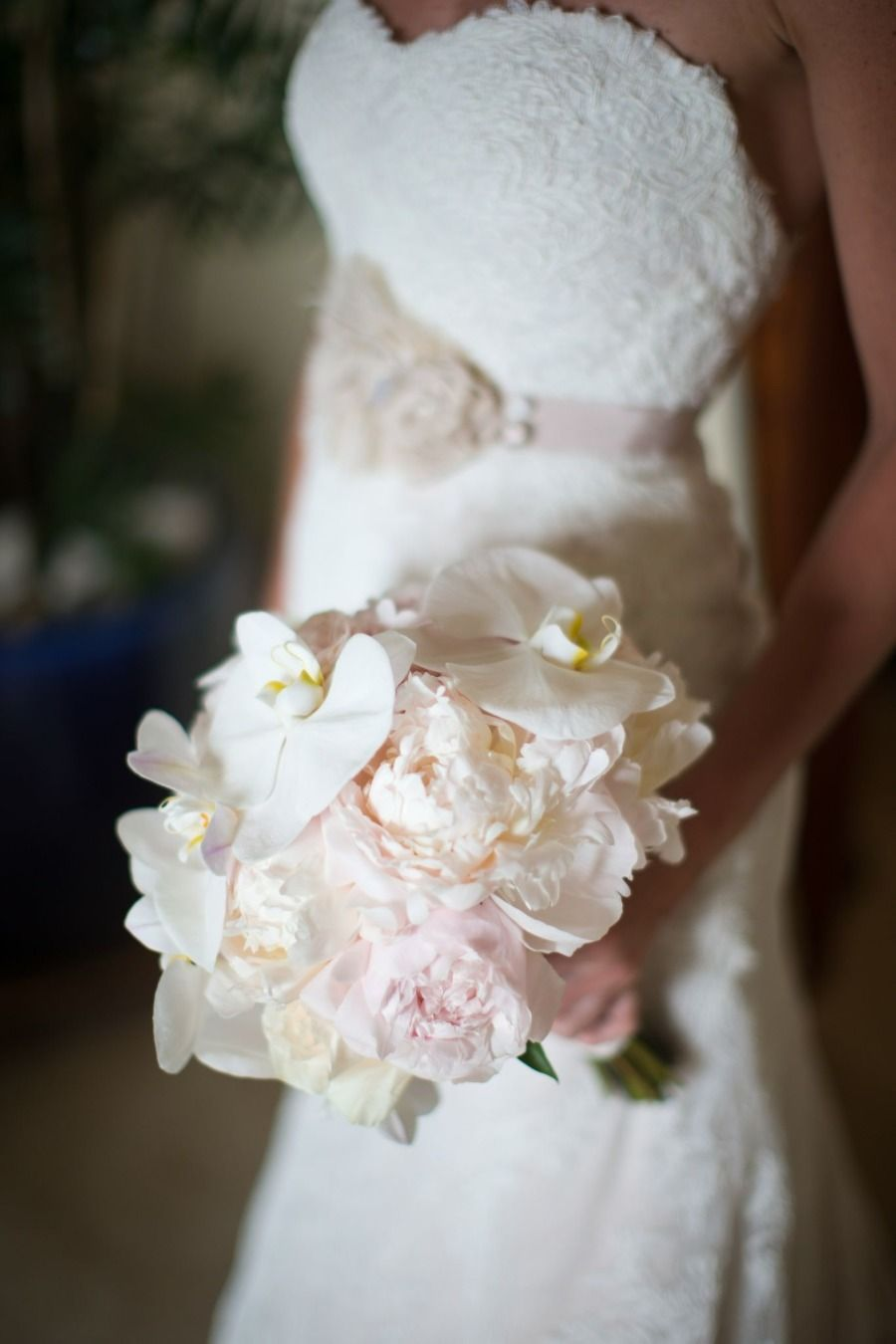 Kona Hawaii Wedding from Toby Hoogs Photography VintageuLace