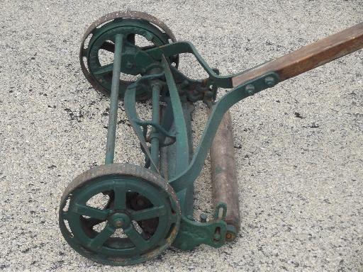Antique Trojan Manual Push Reel Lawn Mower Wwi Vintage W Steel Wheels Reel Lawn Mower Push Lawn Mower Push Mower
