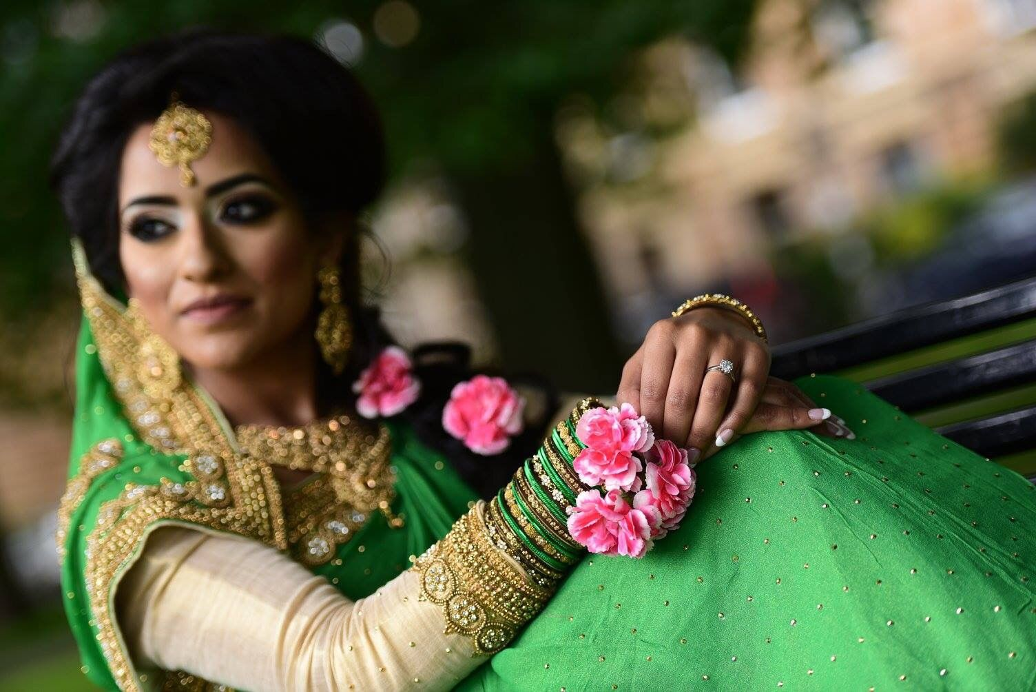 Mehndi Makeup Artist : I cannot compliment my mehndi makeup artist enough sadia first