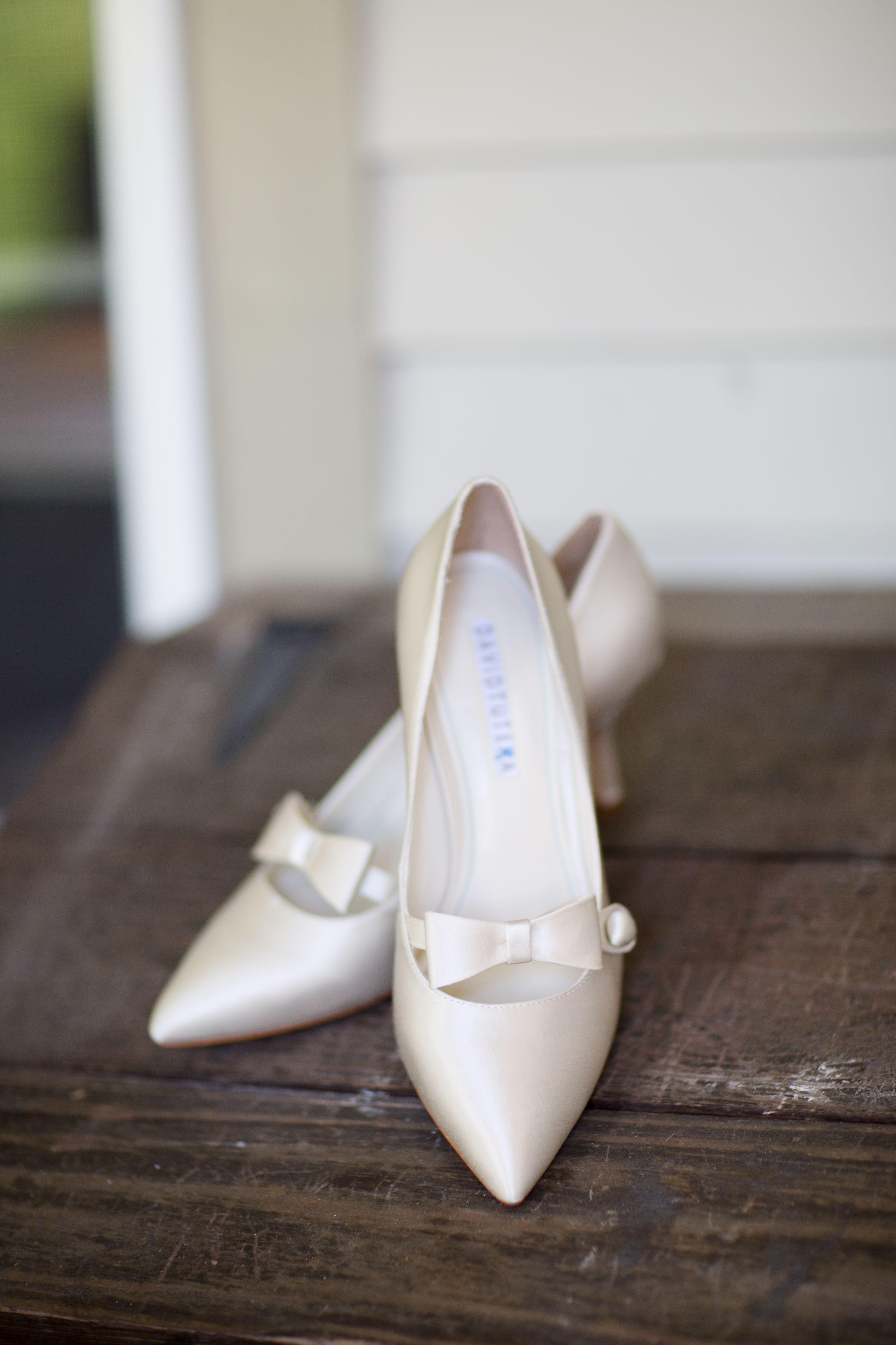 David Tutera Wedding Shoes Alerin Barn Wedding Vermont Alerin Barn Jharperphotography Hochzeitsschuhe