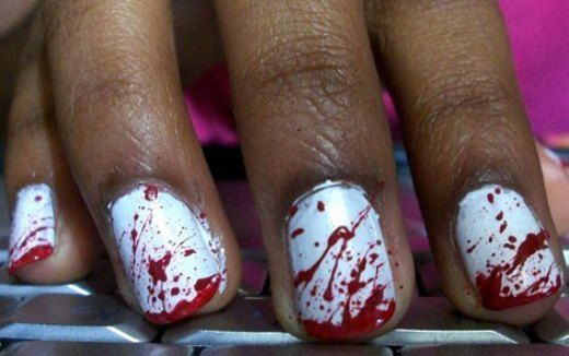 blood-splattered-manicure-for-Halloween.jpg