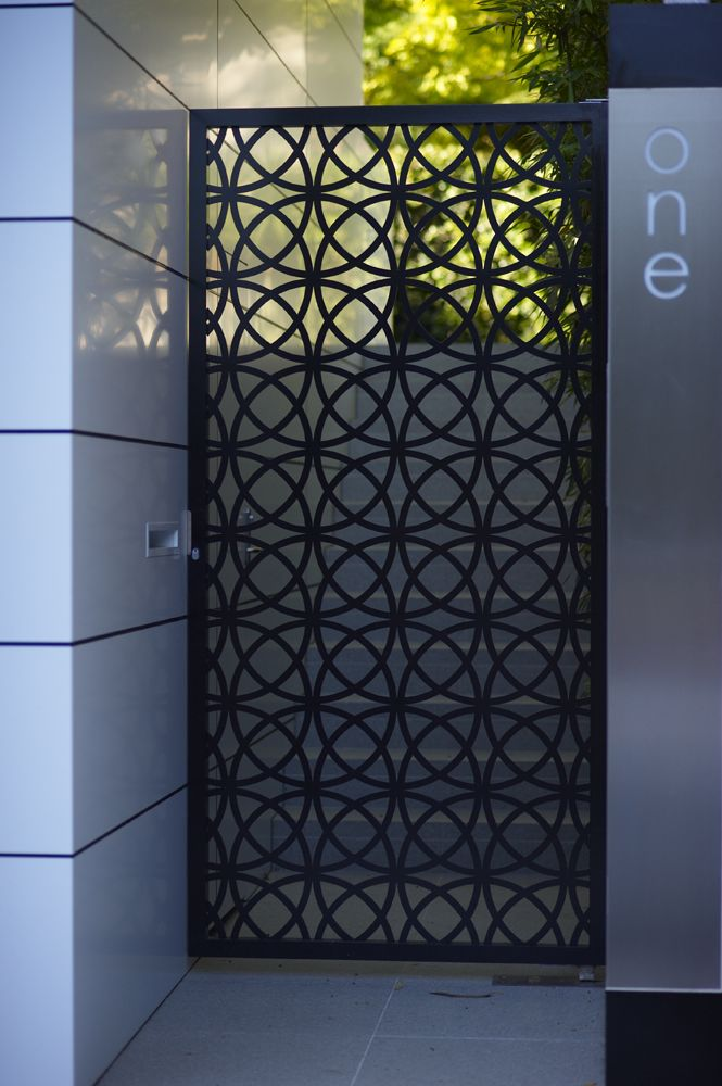 Sculptured gate modern pinterest pearlxoxoxo home for Door gate design