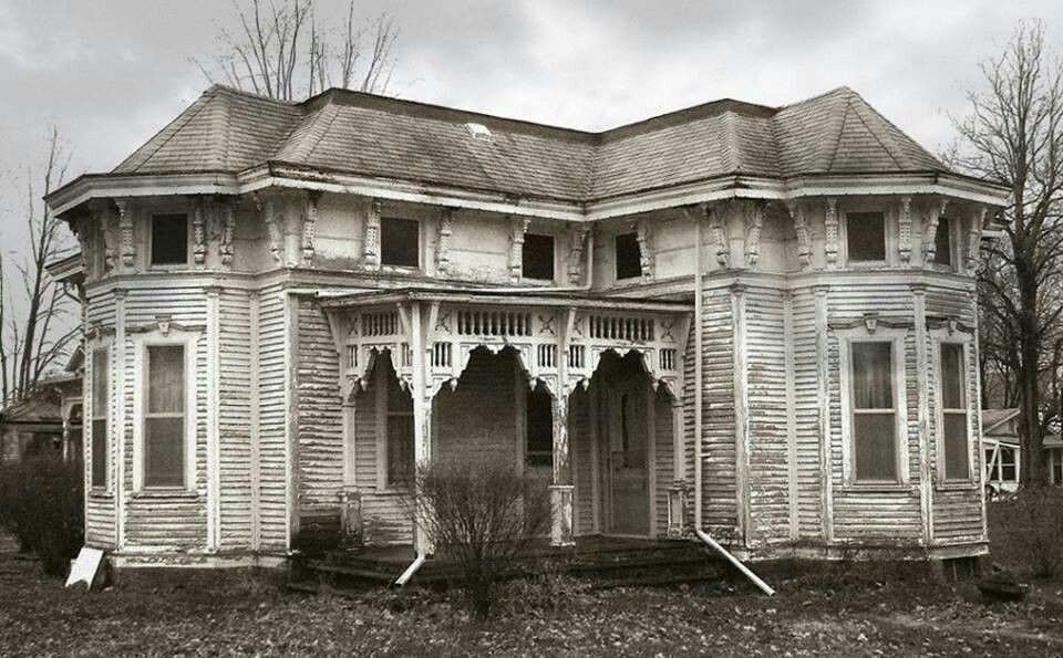 Haunted house for sale abandoned ruins pinterest for Pinterest haunted house