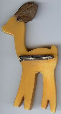 VINTAGE CARVED BUTTERSCOTCH BAKELITE BABY DEER PIN