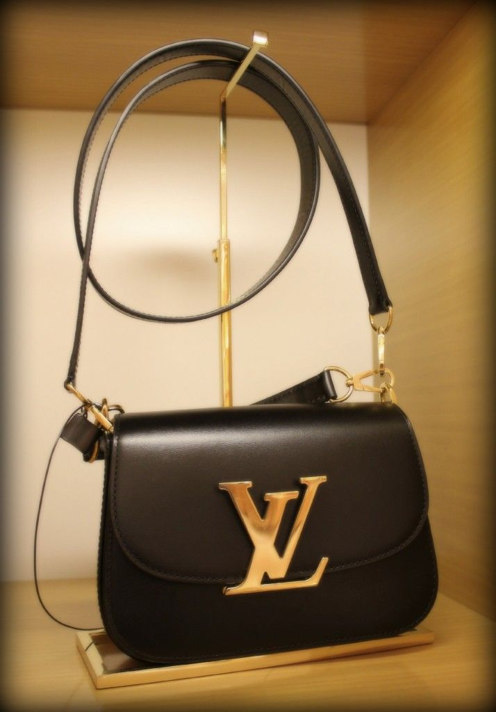 f36abc66de1b Vivienne Box handbag in Noir