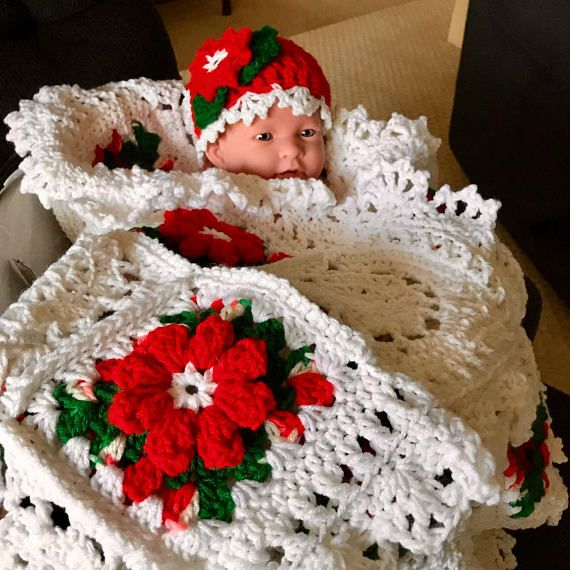 Gorgeous crochet red white and green Christmas flowers and | NAVIDAD ...