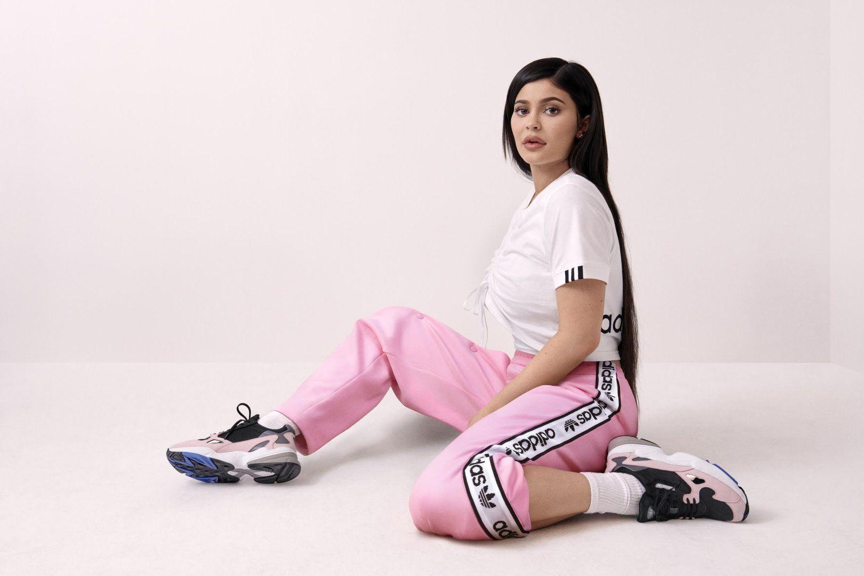 gillianvidegar Kylie jenner adidas, Kylie jenner shoes