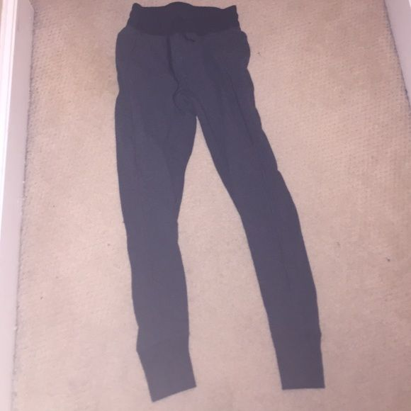 089ccb3180 Lulu lemon sweatpants Grey lulu lemon sweatpants that are thick and warm  and pull tight at the bottom lululemon athletica Pants