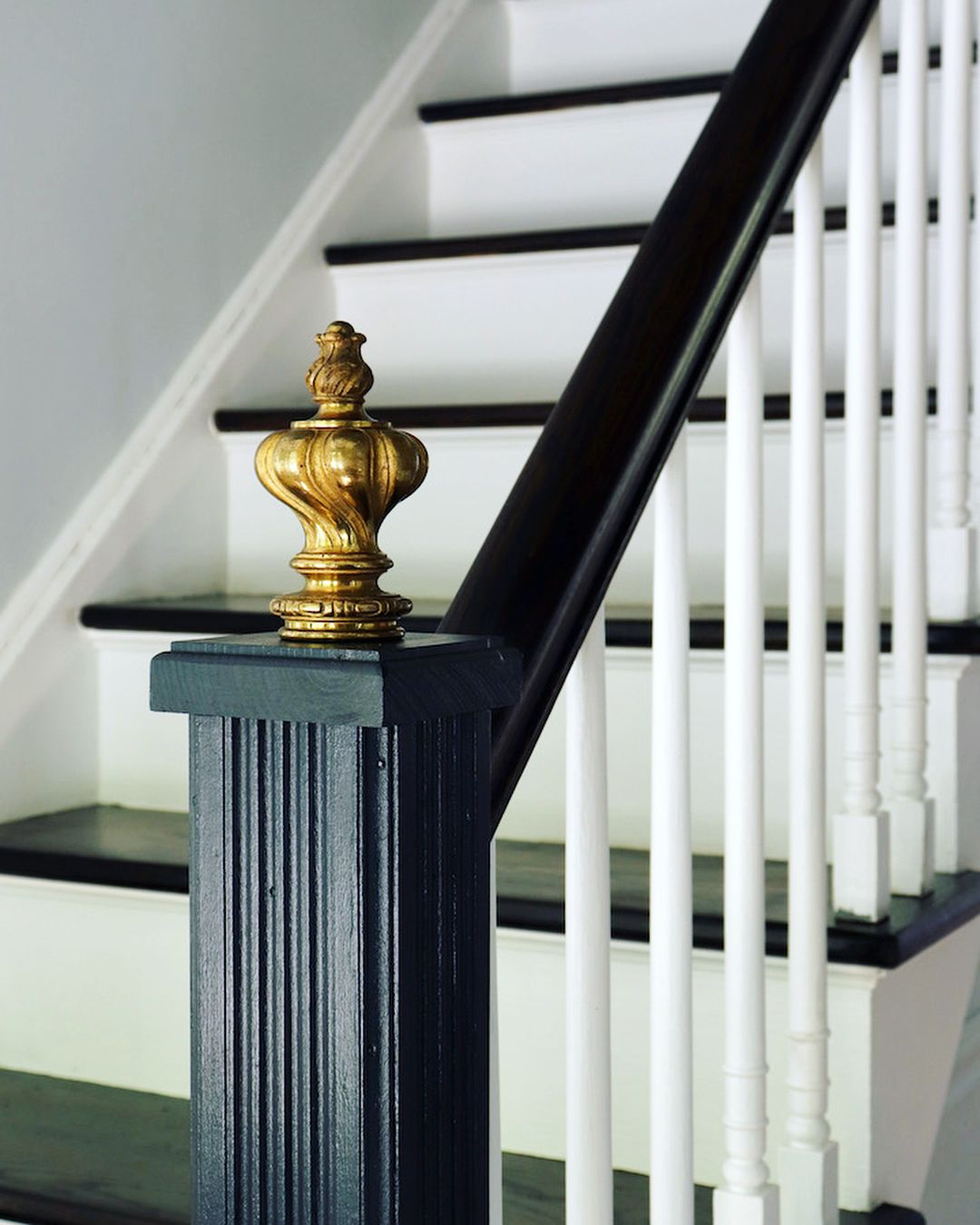 Beautiful Interior Staircase Ideas And Newel Post Designs: Newel Post Redo! It's The Details That Make Difference