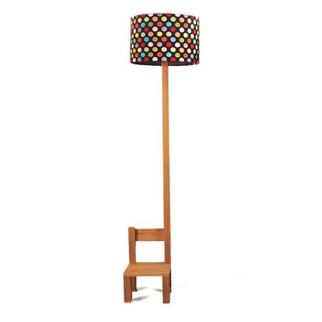Lámpara con silla de diseño