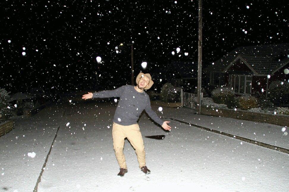 Snowing on The Kiwi Cowboy, Yorkshire UK Yorkshire uk