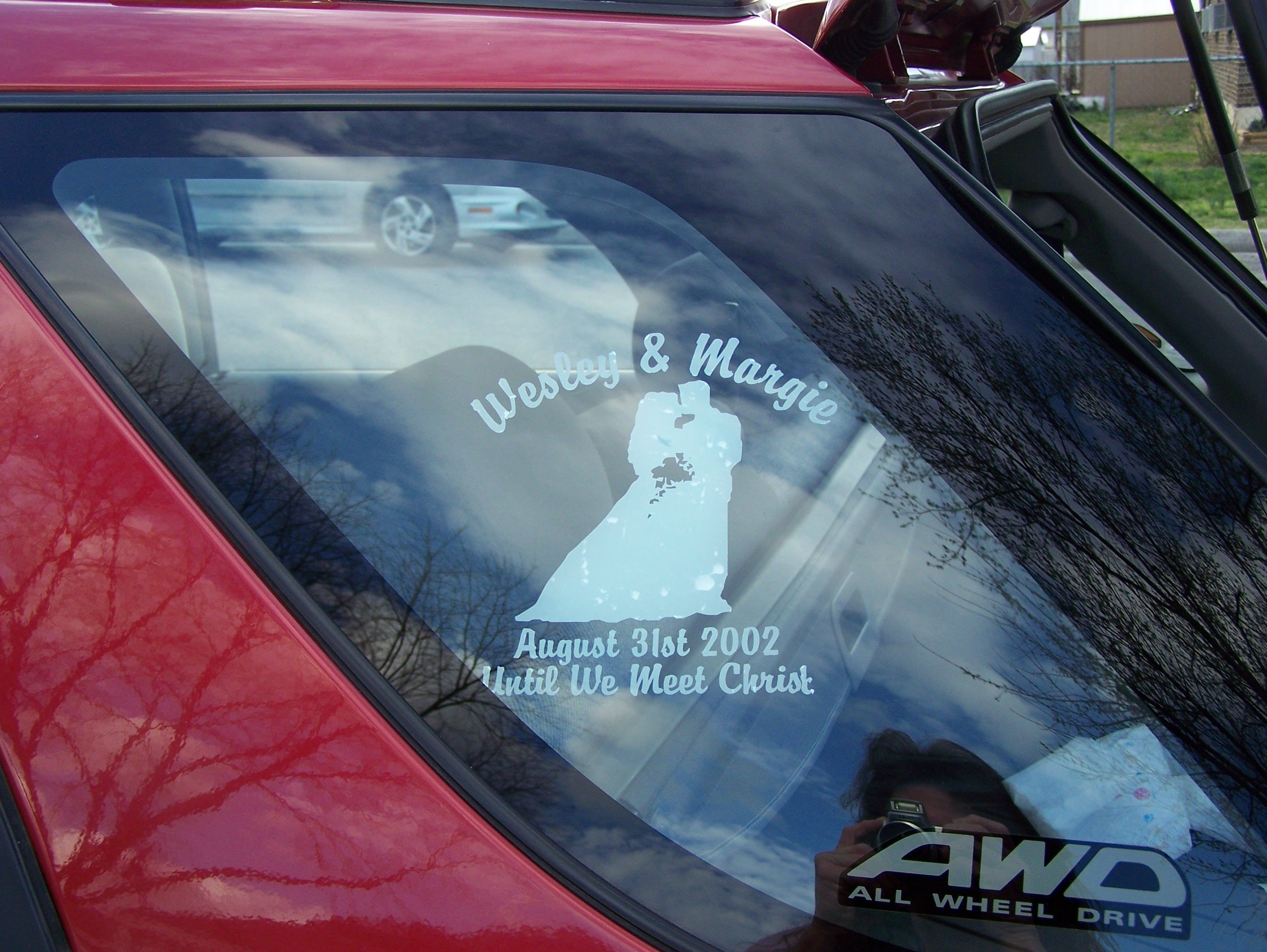 Make stickers for your car - Bride Groom Wedding Decals And Stickers Make Easy Diy Wedding Decor Ideas