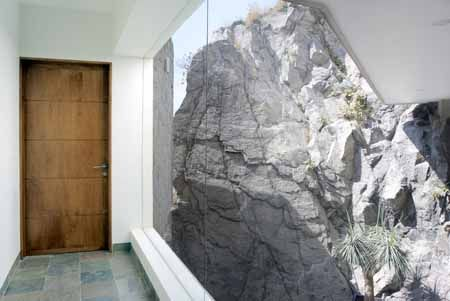 Esa roca gigante me recuerda mi infancia...