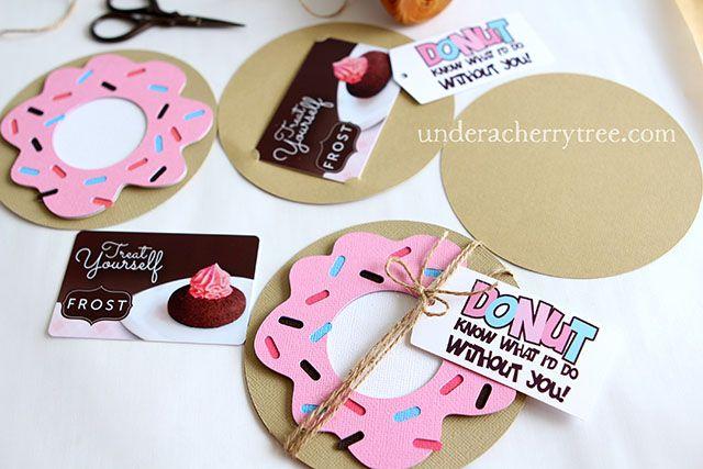 http://underacherrytree.blogspot.com/2015/05/donut-gift-card-holder.html?utm_source=feedburner