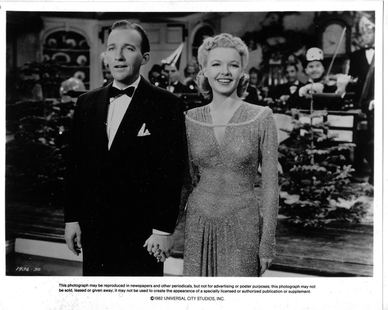 Bing Crosby And Marjorie Reynolds Film Still From Holiday Inn One Of Our Favorite Movies White Christmas Movie Classic Christmas Movies Classic Hollywood
