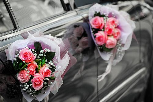 Wedding car decoration with rose bouquets wedding car wedding car decoration with rose bouquets junglespirit Image collections