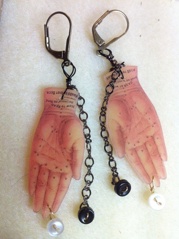 SAVE FOR MOMS DAY SALE Alluring Vintage Inspired Palmistry Earrings by UnBesoArdiente, $36.00