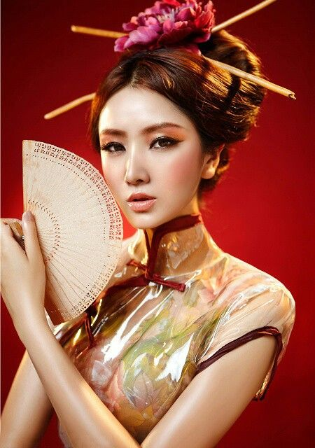 364a02c5aa Geisha - gorgeous inspirational look for Halloween Traditional Dresses,  Traditional Chinese, Chinese Makeup,