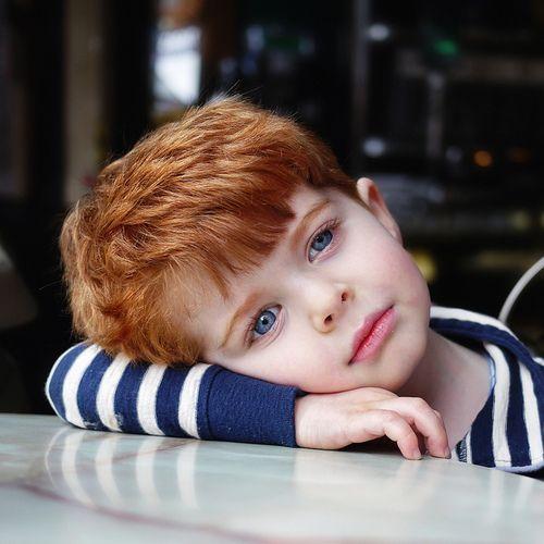 Imagem de boy and kids