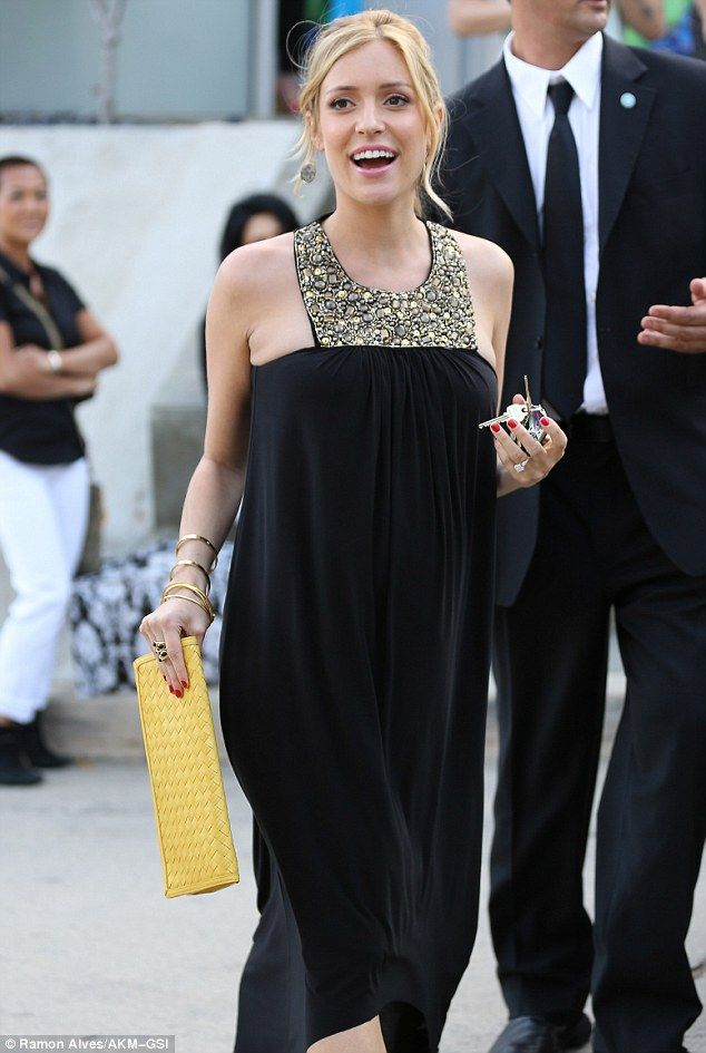 Beauty And The Bump Pregnant Kristin Cavallari Is A Stand Out Star
