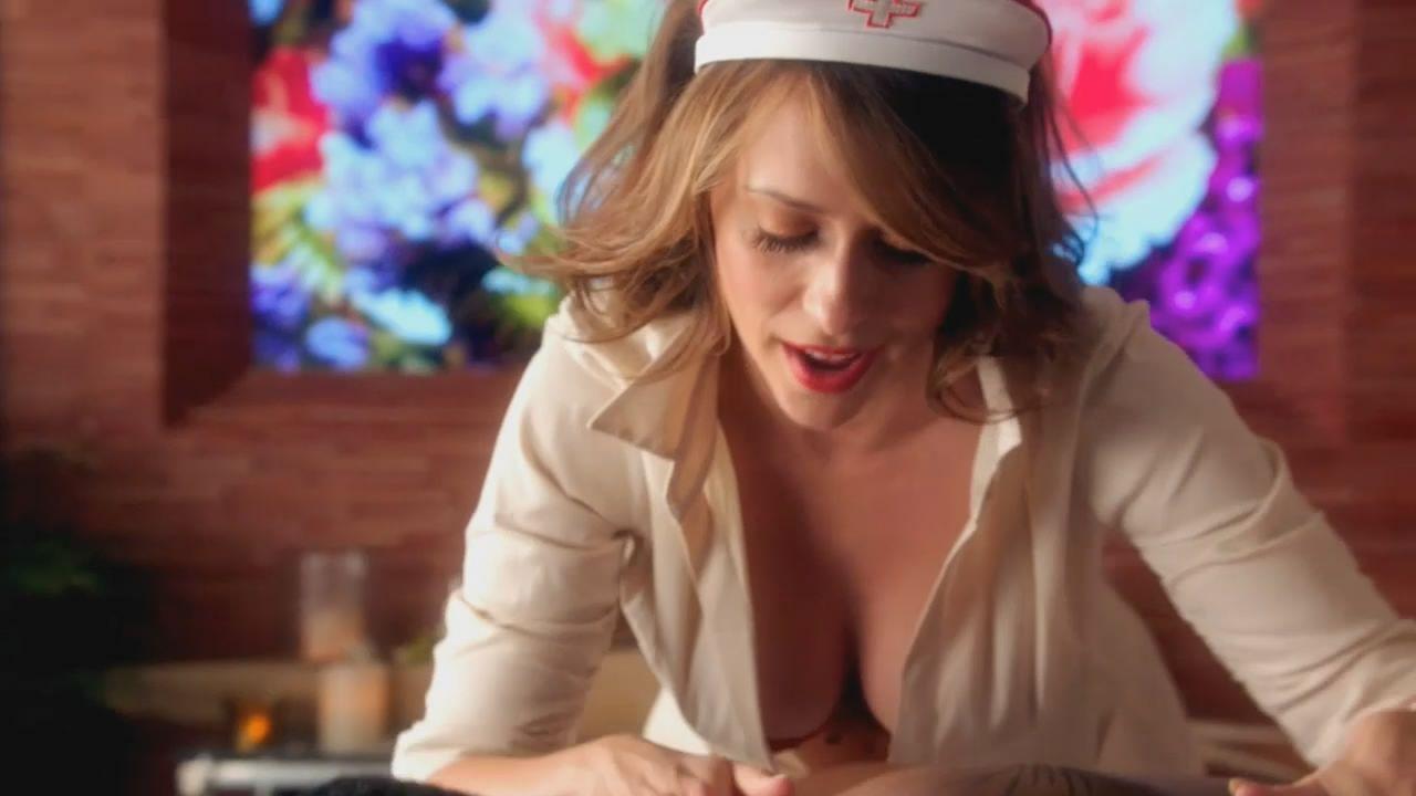jennifer love hewitt nude in a movie
