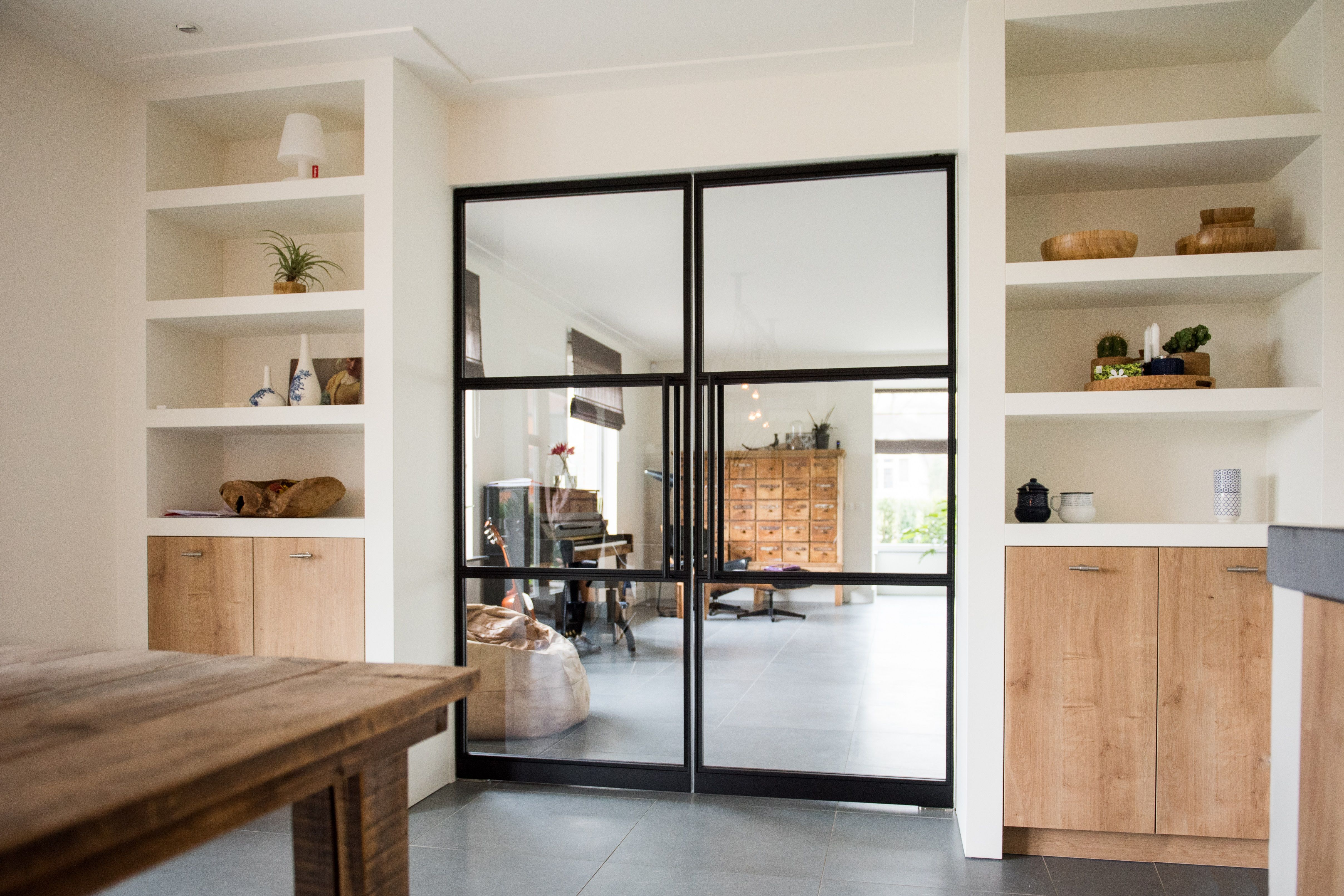 Do you also dream about a steel door in your house? Do you want your stable …