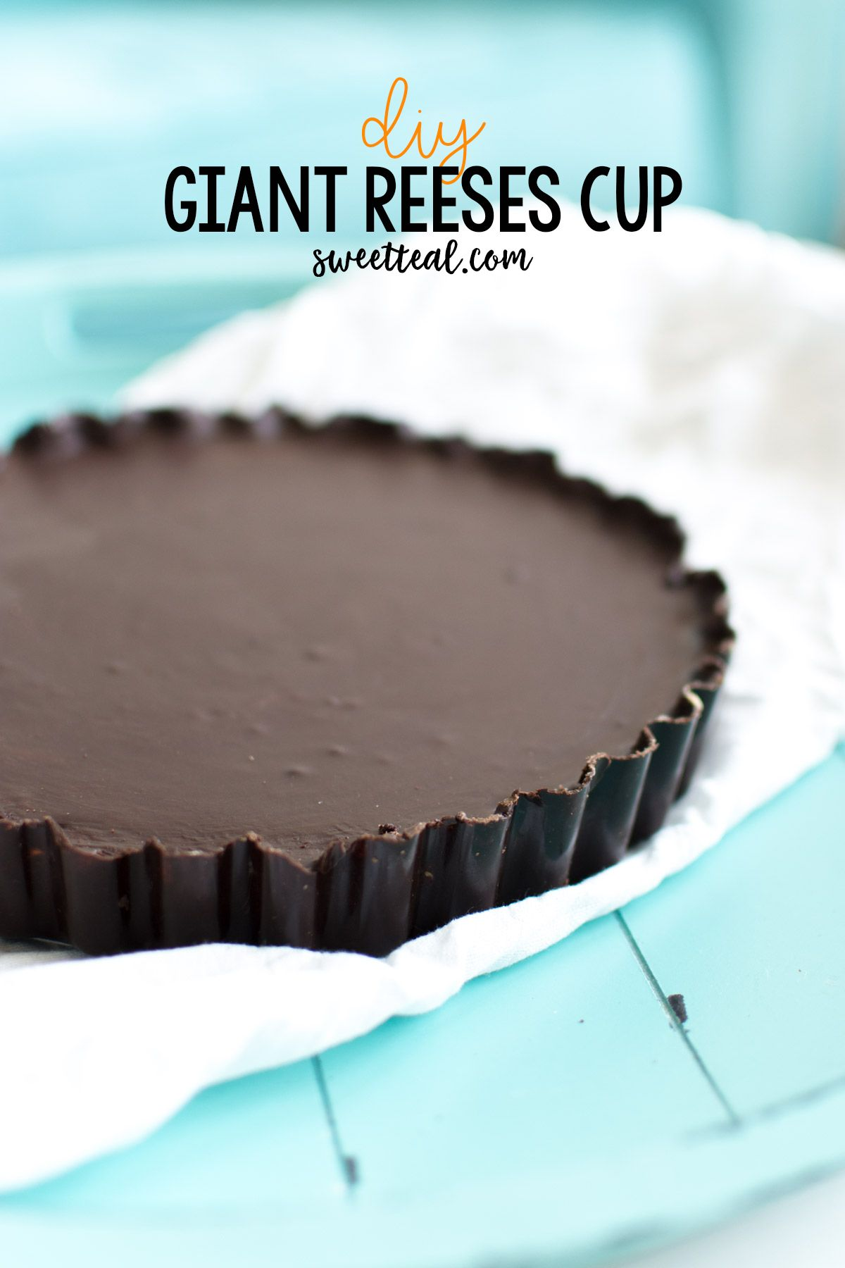 DIY Giant Reeses Cup | Giant reese's cup, Reeses cake, Homemade reeses cups
