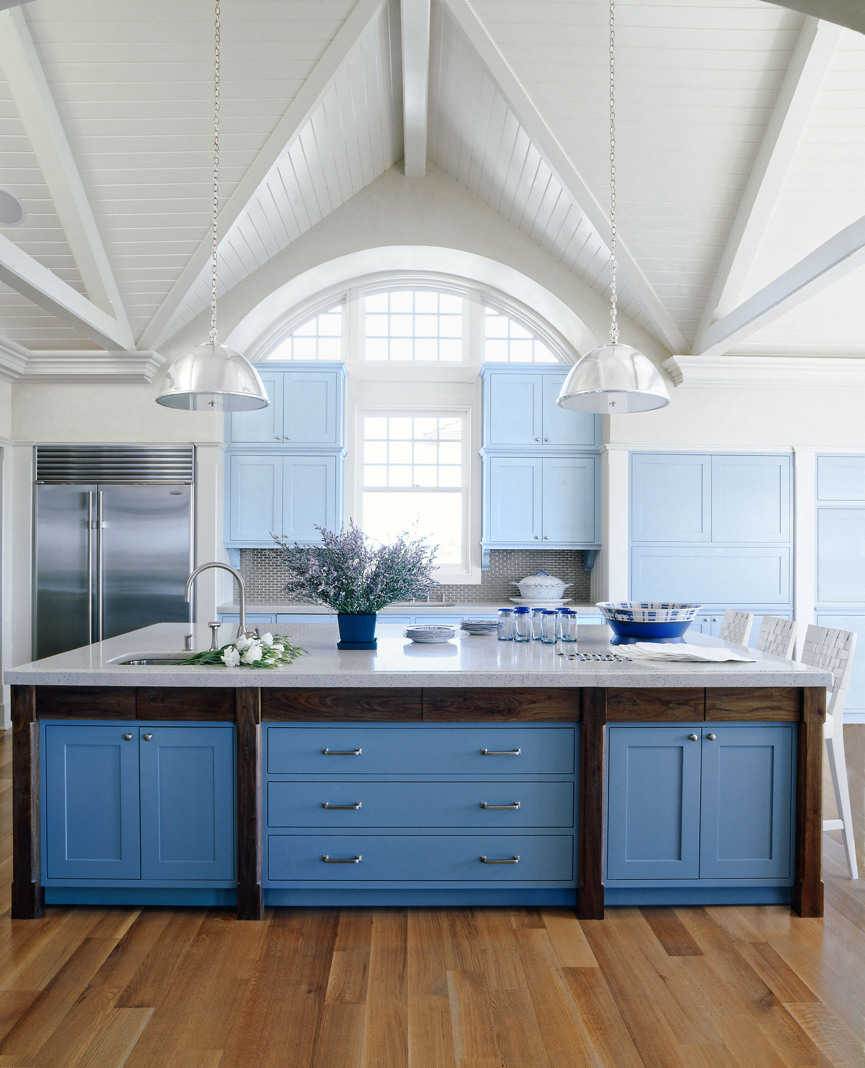 12 Kitchen Cabinet Color Combos That Really Cook Kitchen Cabinet Colors Blue Kitchen Cabinets Dining Room Blue