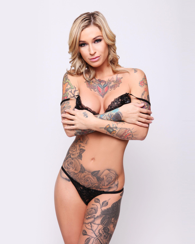 Kleio Valentien nudes (65 foto) Sexy, Facebook, braless