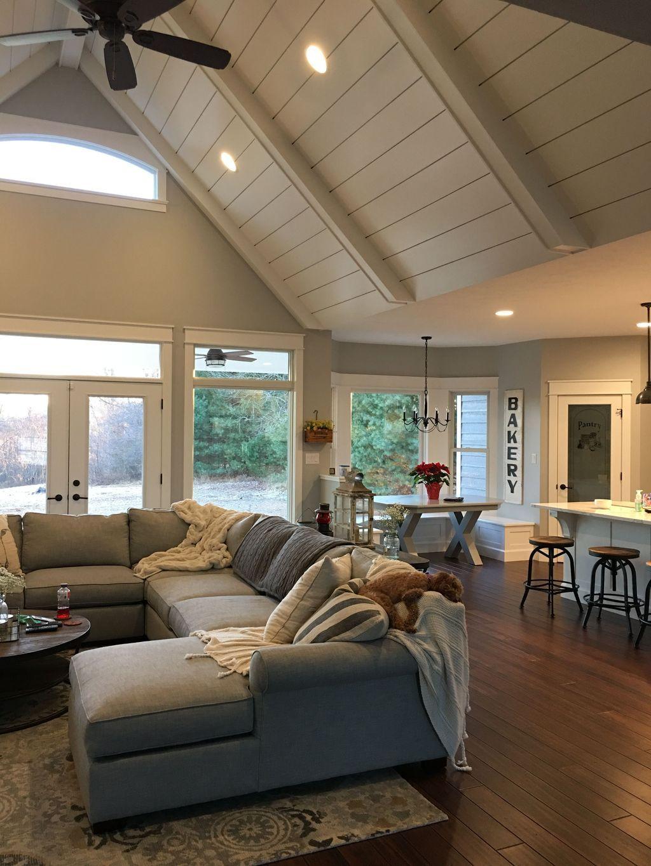 46 The Best Vaulted Ceiling Living Room Design Ideas #dreamhouserooms