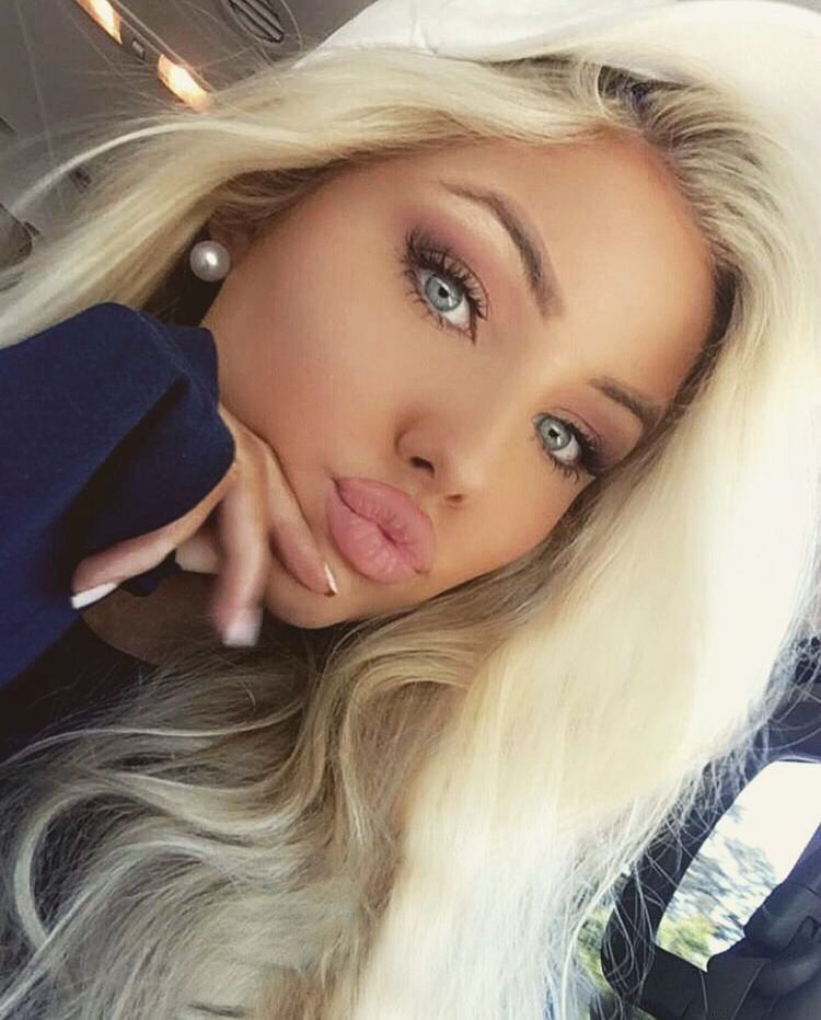 Opinion duck face girl with blonde hair idea and
