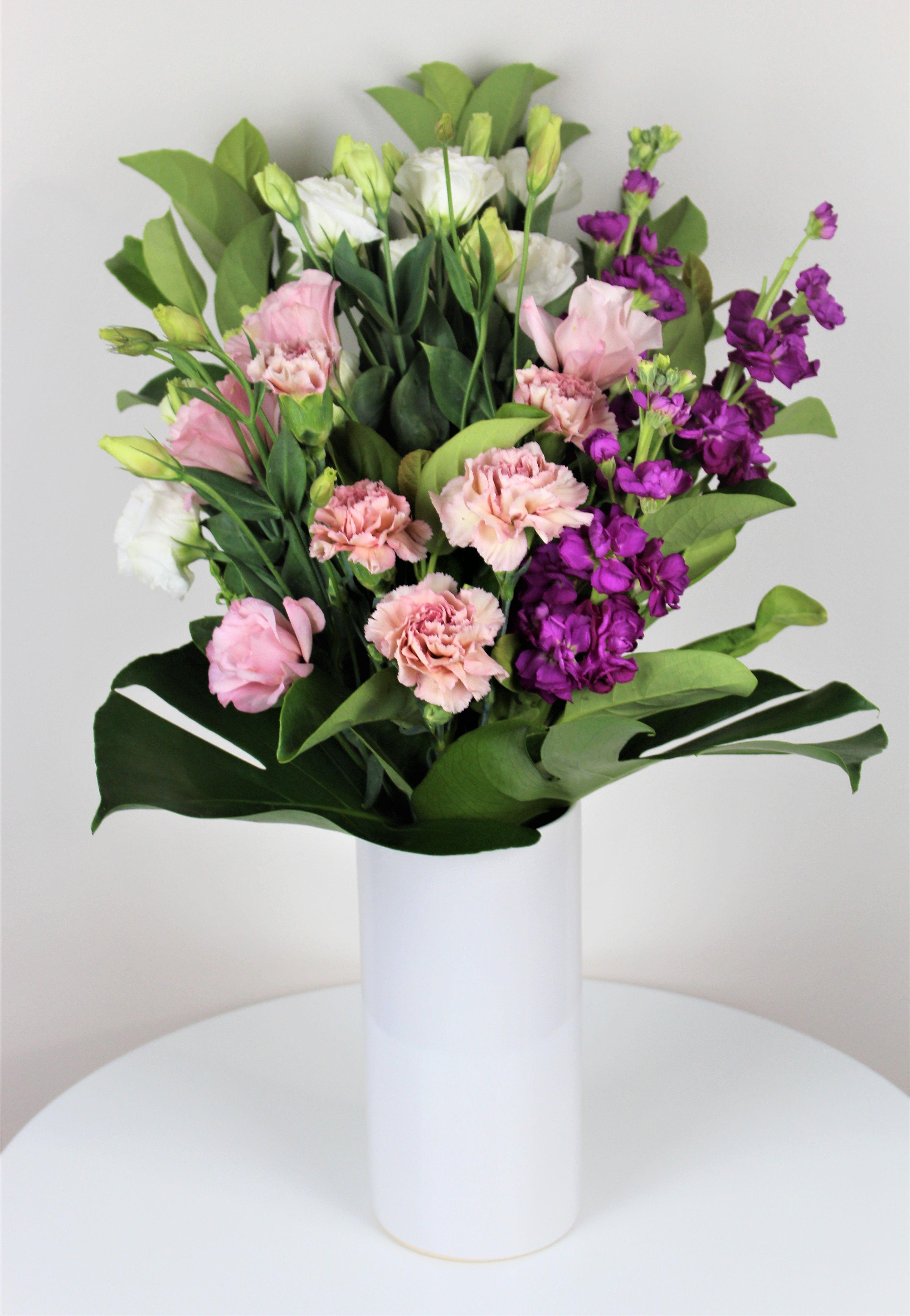 Buy classic vase arrangement in Melbourne in 2020 Cheap