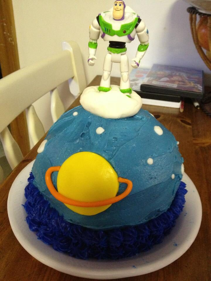 Buzz light year cake desserts food