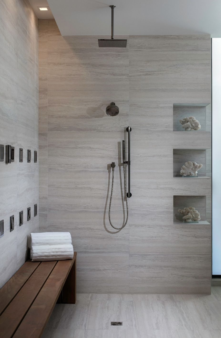 Spotlight The New American Home 2017 Open Concept Bathroom