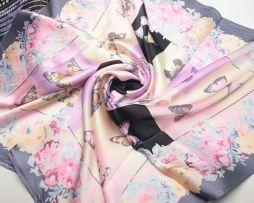 Elegantná dámska hodvábna šatka s motívom motýľov v ružovej farbe (2)