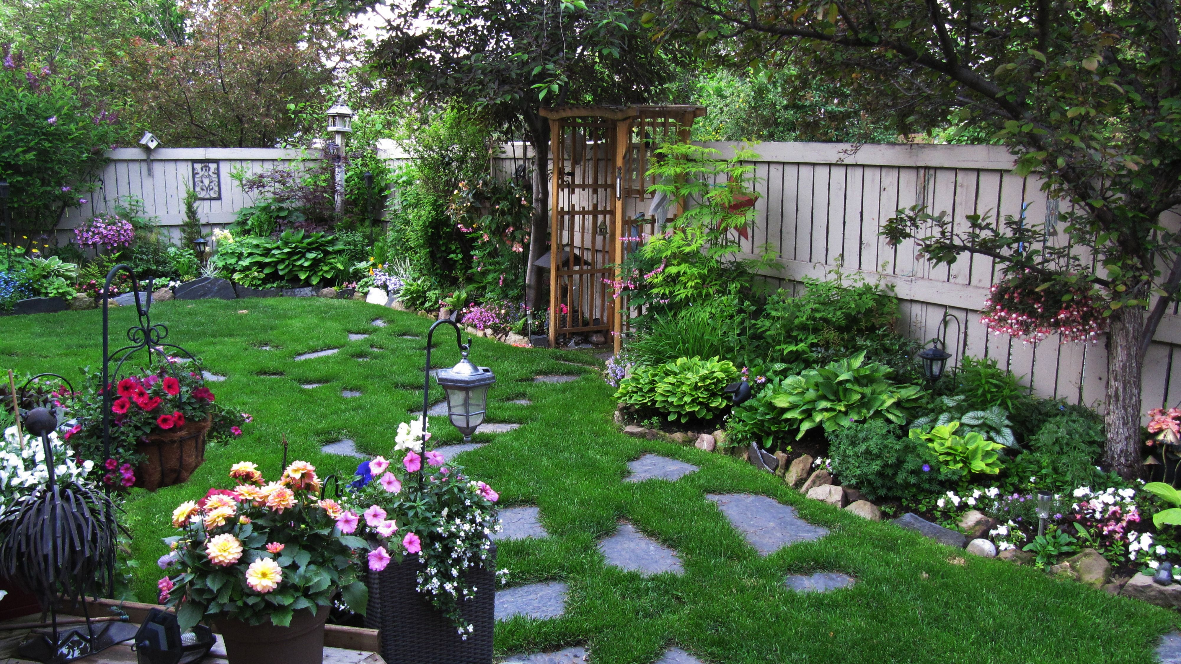 Backyard landscaping ideas calgary for Landscape design calgary