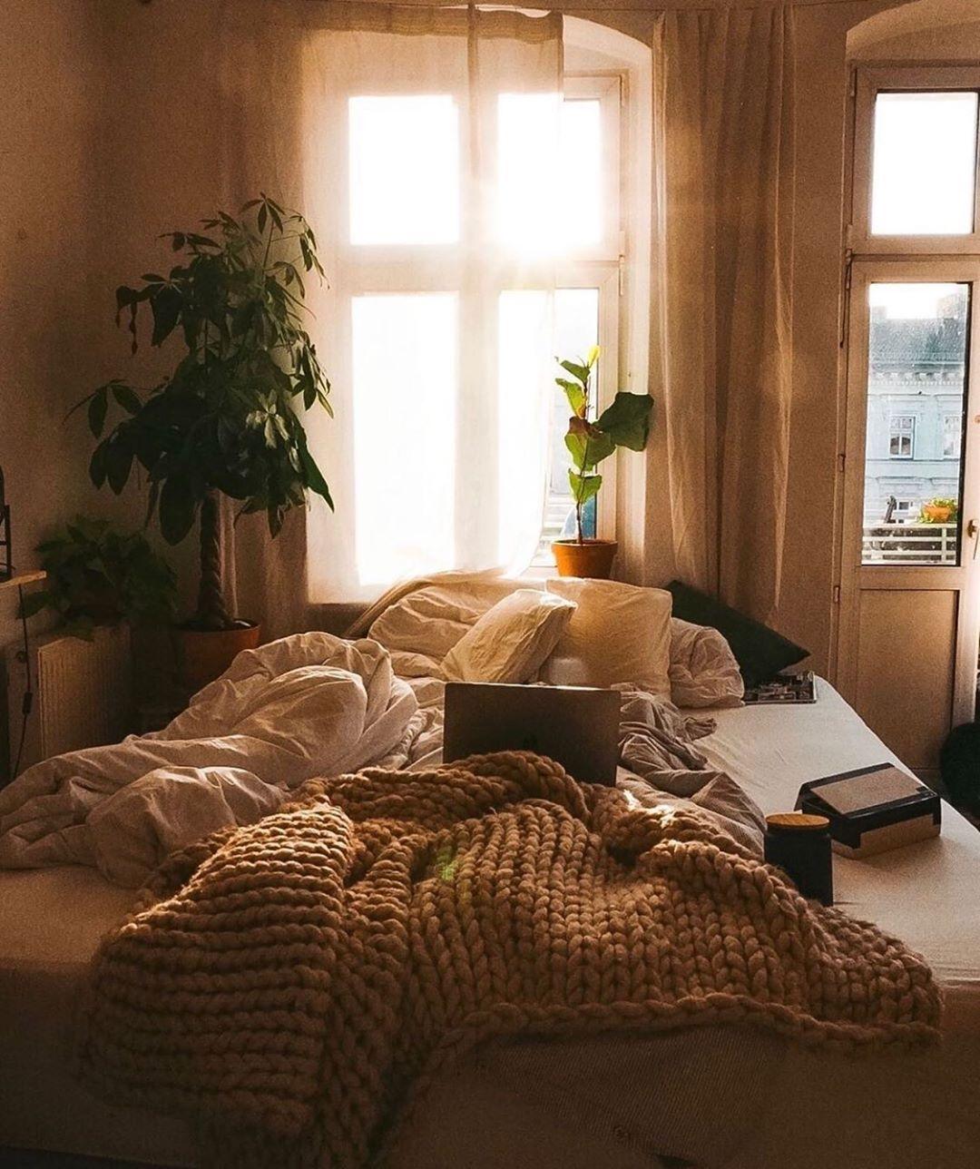 Readmore.....#interiordecorator #interiorhome #interiorandhome #interiordesigns #passion4interior #bedrooms #bedroomdecor #bedroomideas #bedroom #bedroomgoals #bedroomdesign