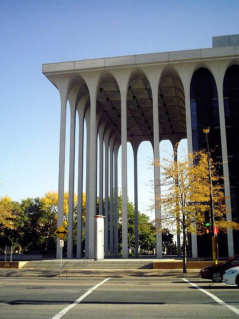 This building by minoru yamasaki is one of my favorites in minneapolis. My Grandma worked here! <3