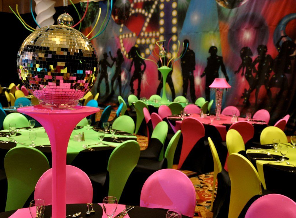 Disco ball centerpiece decorations to view table for 70s party decoration