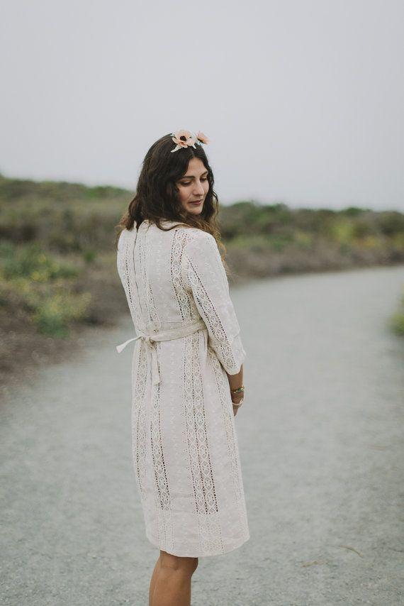 1960s Linen and Lace Bridal Dress | Irish Lace Dress | medium || model @christypower