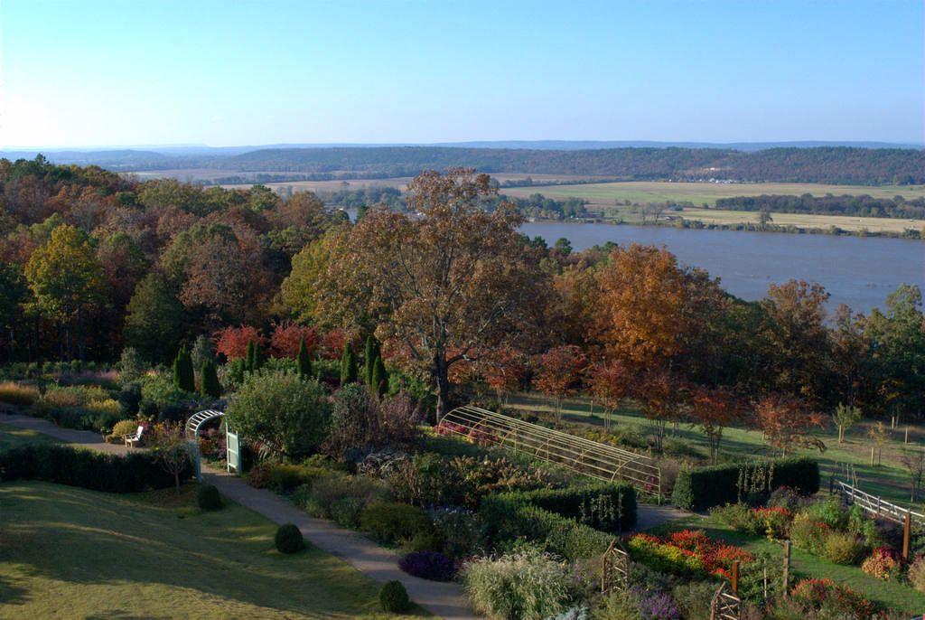 P. Allen Smith, The Garden Home. http//www.pallensmith