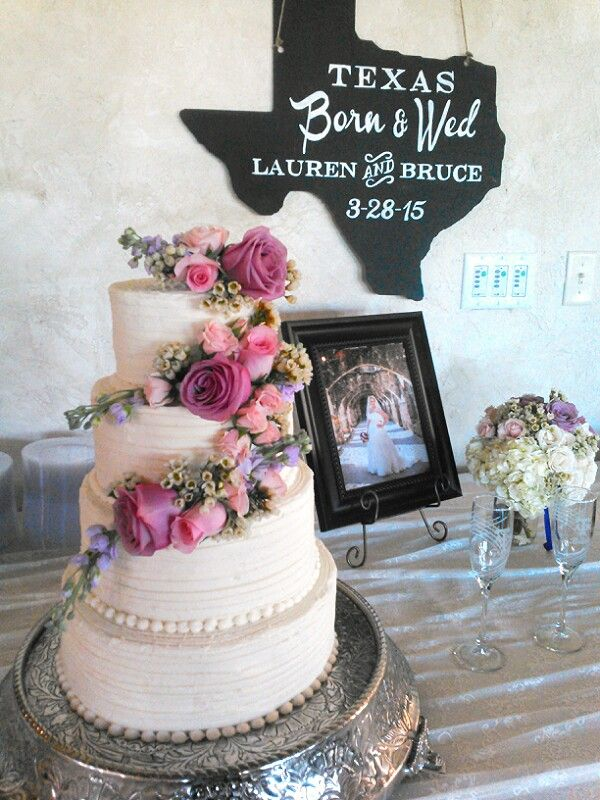 Texas Style Wedding Cake At The Vineyard At Gruene Pink Purple