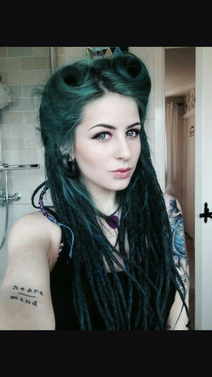 Green partial dreads vintage rolls #greenhair #partialdreads #dreads #vintagehairstyles #pinup