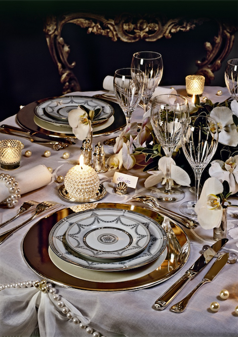 Luxury dinner bowl for sophisticated tablescape